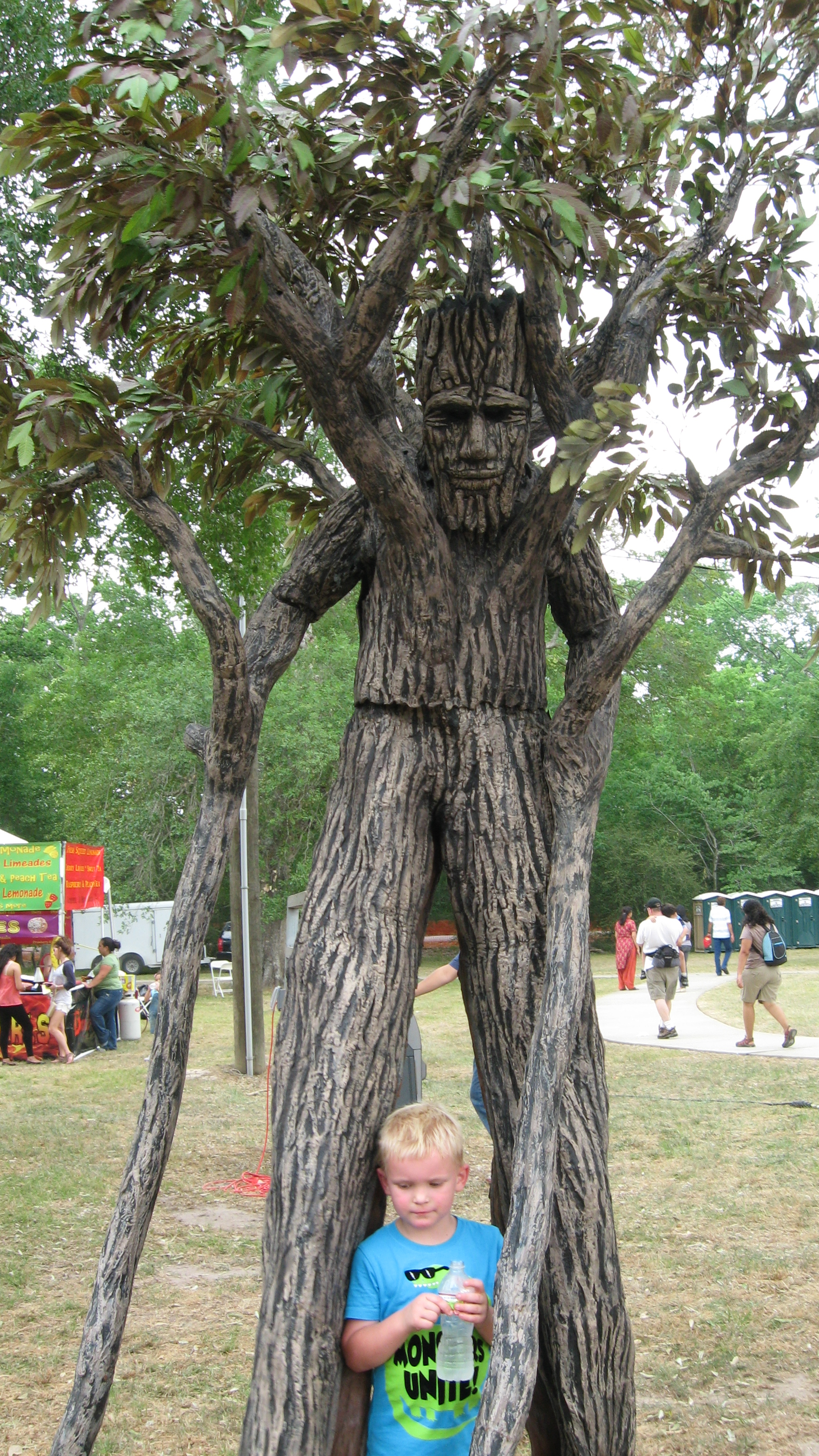 Not that adult tree costume with stilts for